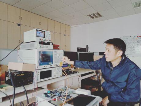 厦门市科技创新杰出人才奖:石江宏