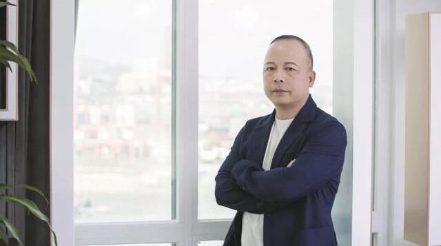传奇人生故事:弘信创业工场投资集团董事长-李强